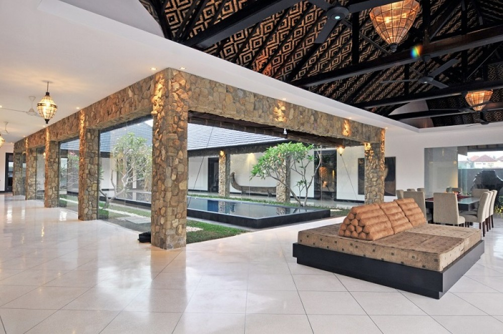 Gorgeous Four Bedrooms Villa in Strategic Location In Kerobokan