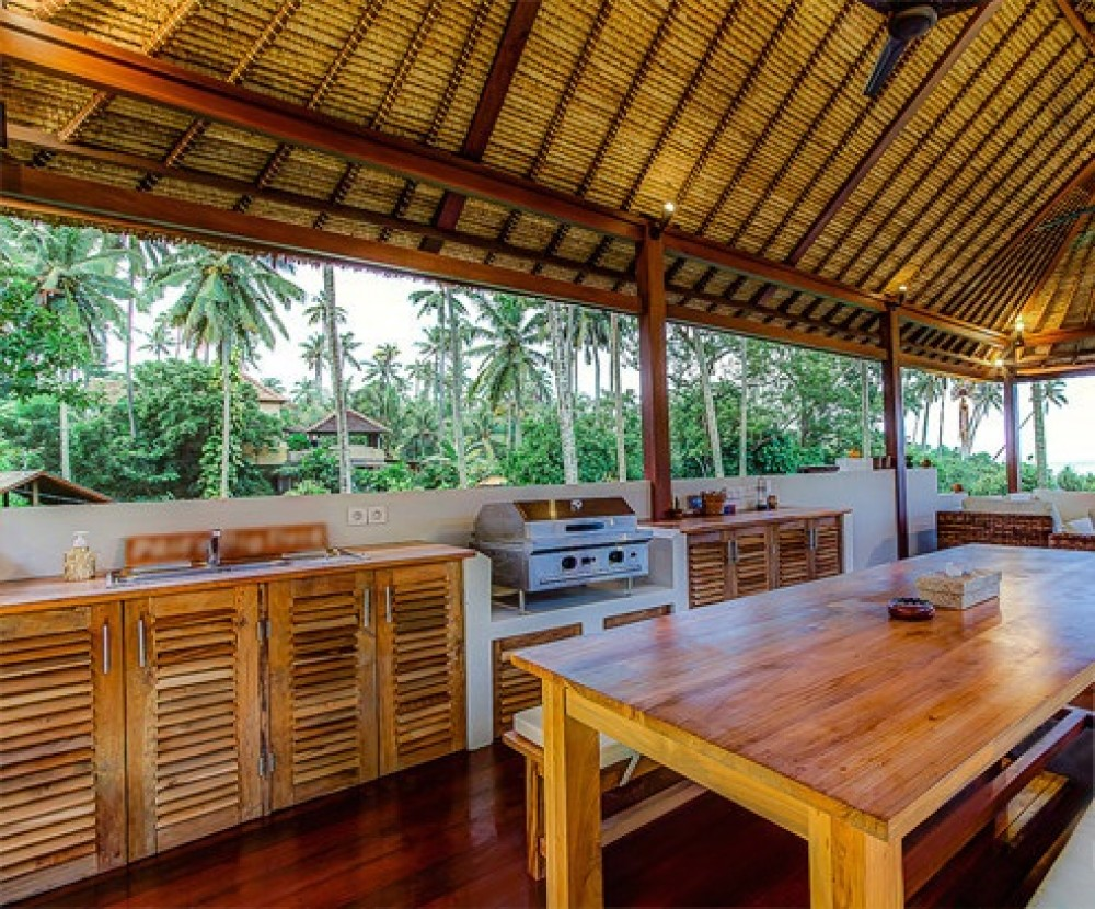 Luxurious Beachfront Real Estate For Sale in Balian