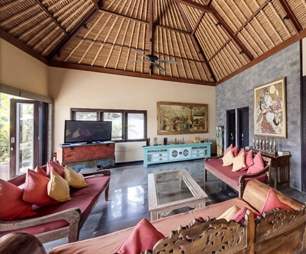 Classy Four Bedroom Leasehold Real Estate For Sale in the heart of Seminyak