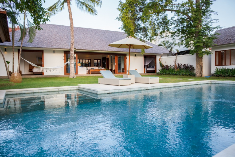 Luxurious 4 bedrooms villa in Umalas (Available in middle December)