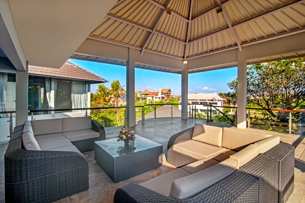 Spacious Villa Walking Distance to the Beach for Sale in Canggu