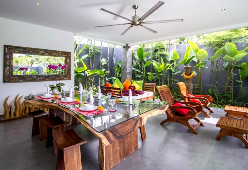 Villa Modern Yang Indah Dijual di Petitenget