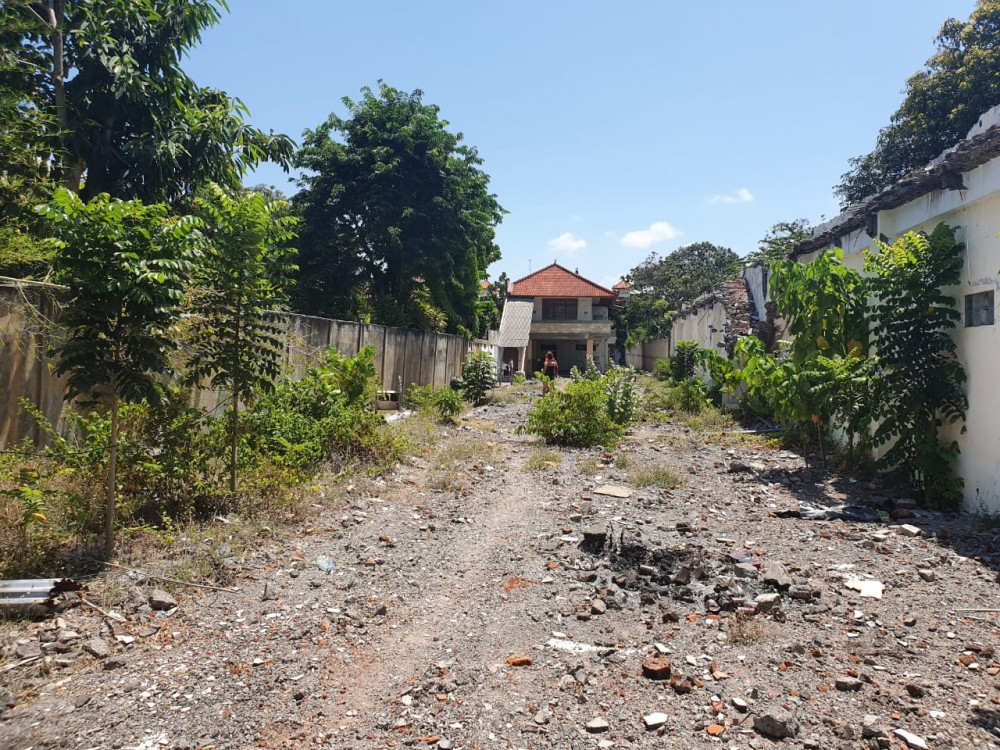 Residential freehold  land with IMB