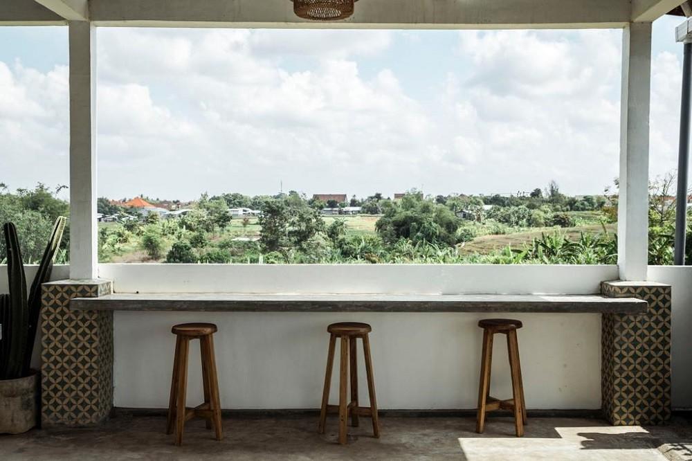 Stunning 6 bedrooms villa in Canggu (minimum 3 years)