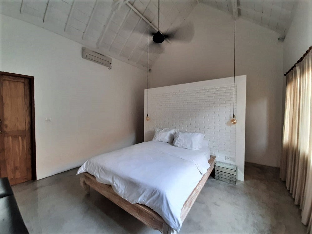 Stunning 3 Bedrooms villa in Berawa walking distance to the beach