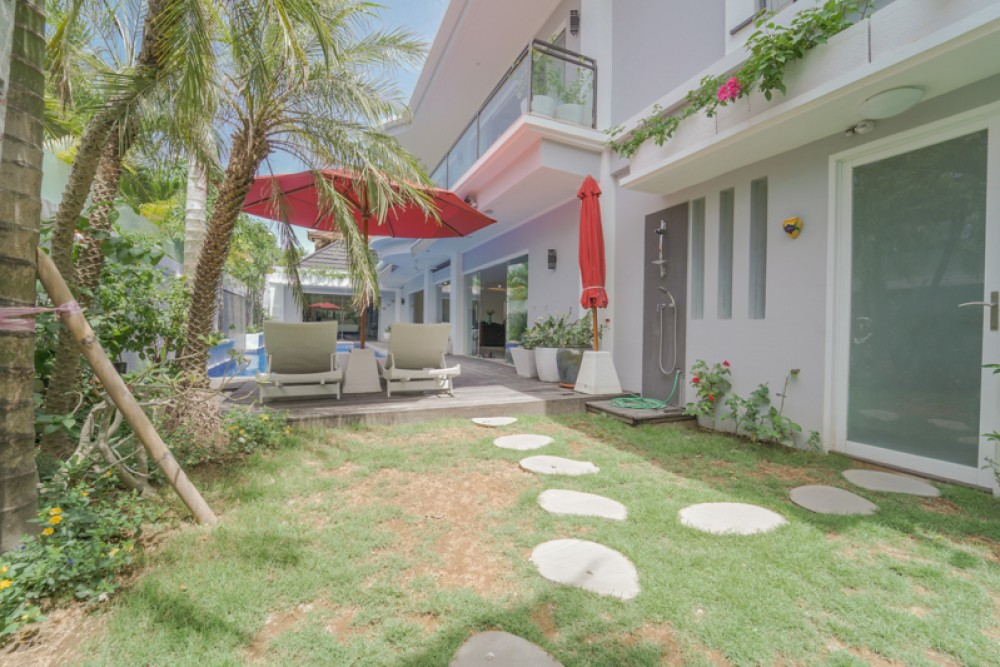 Beautiful Three Bedrooms Freehold Villa for Sale in Seminyak