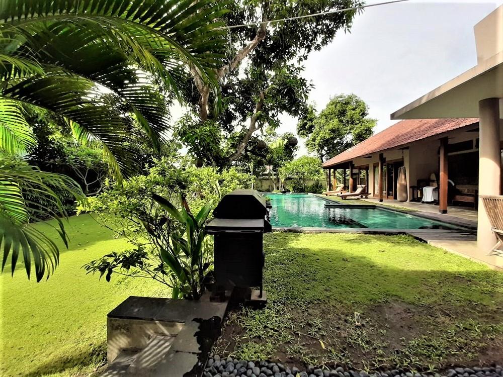 Villa avec jardin spacieux à vendre