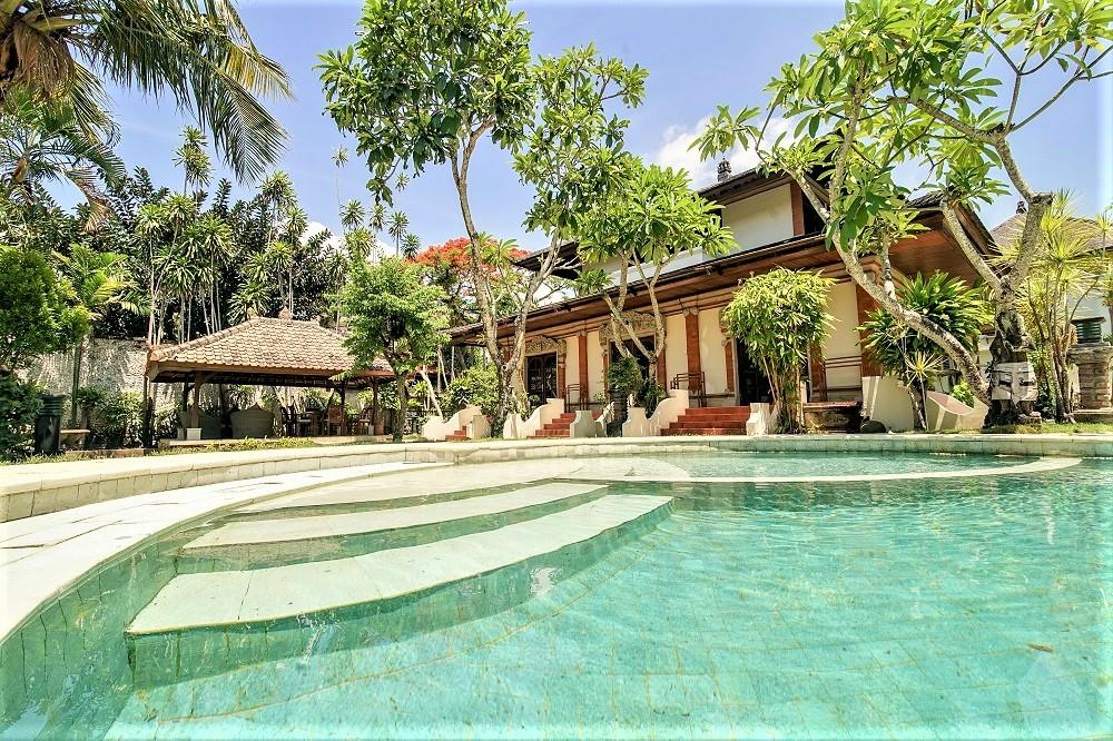 big beautiful balinesse villa walking distance to seminyak beach