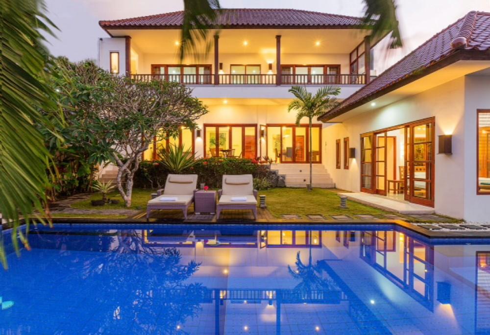 Magnifique villa avec vue sur l'océan à vendre à Balangan