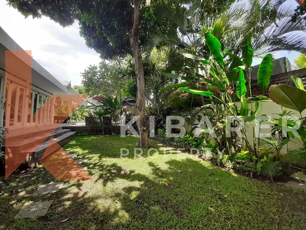 modern four bedroom villa in prime area of seminyak ( available on 16th April 2020 )