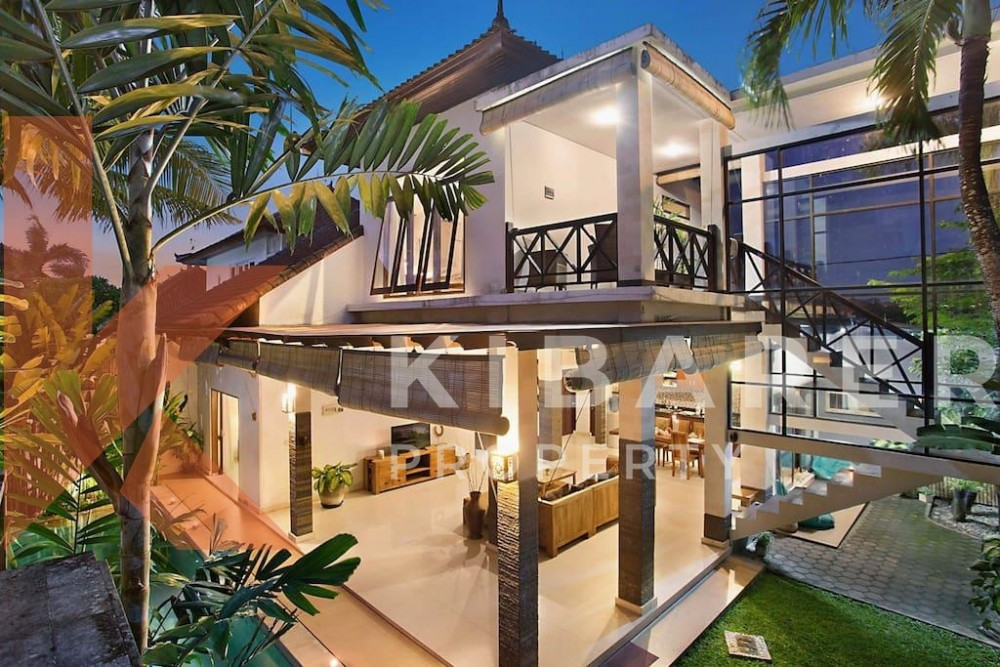 Beautiful two bedroom villa in Seminyak ( will be available on 28th march 2020 )