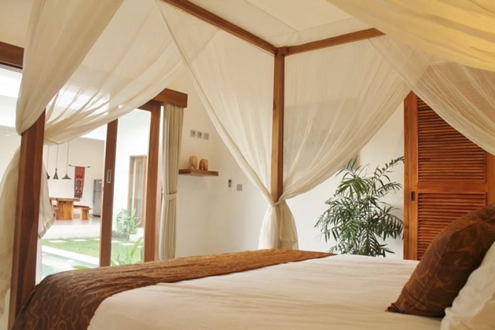 3 Bedroom Tropical Villa in Batu Belig for Sale