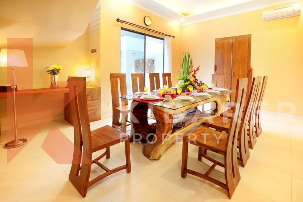 Beautiful Five bedrooms Villa In Petitenget