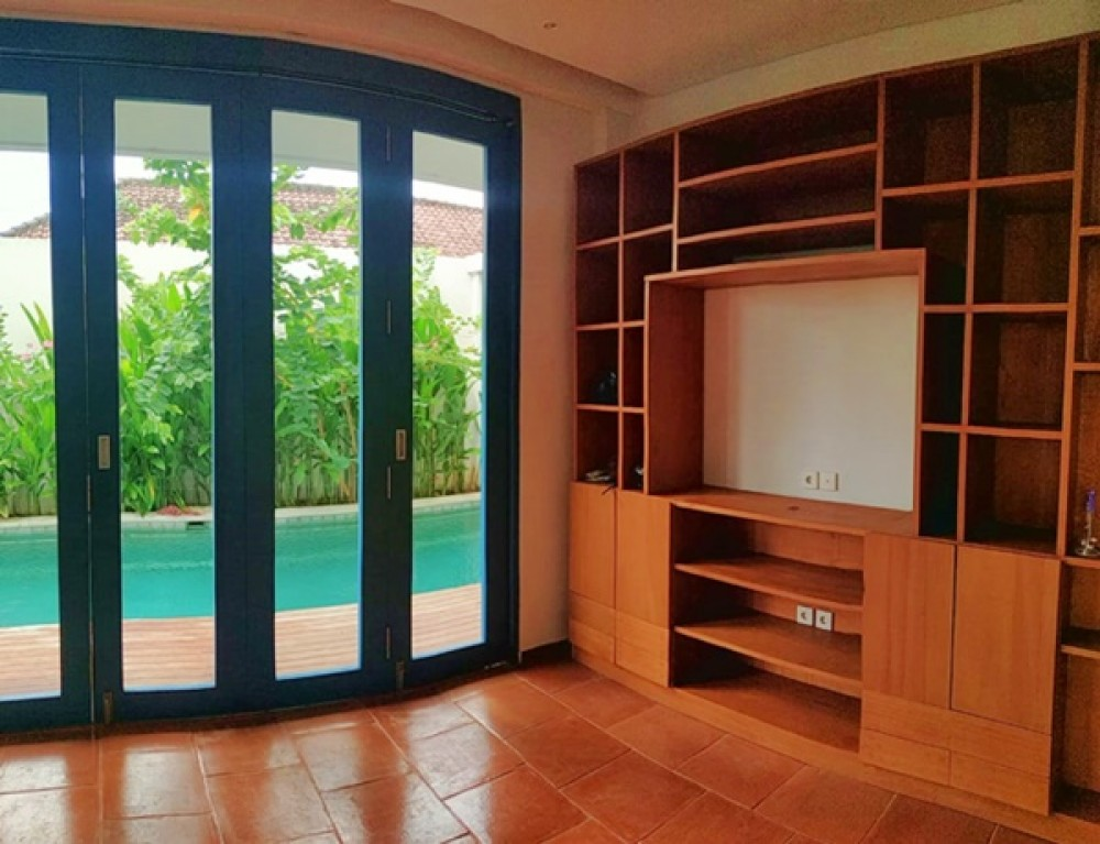 8 bedroom BRAND NEW VILLA in Tumbak Bayuh FOR SALE