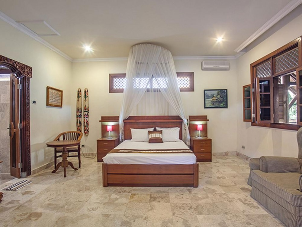 Gorgeous 4 Bedroom in Babakan for Sale