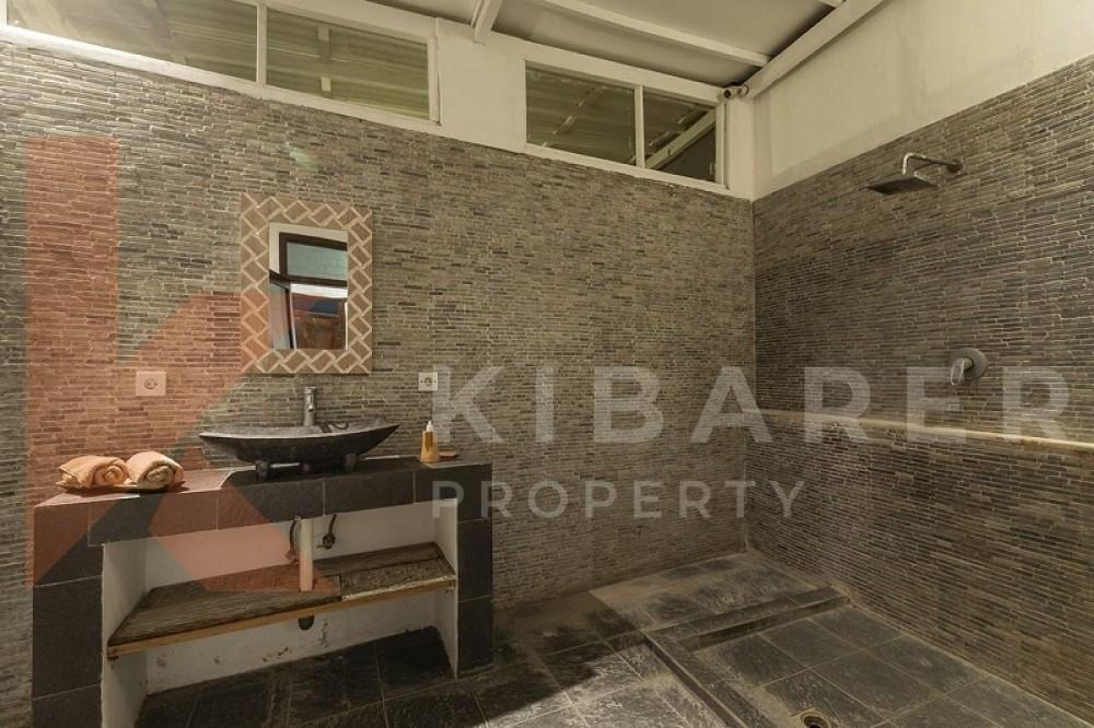 Beautiful Four Bedrooms Close Living Villa In Kerobokan