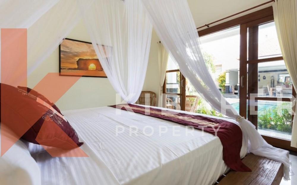 STUNNING THREE BEDROOM,CLOSE LIVING VILLA IN BUMBAK