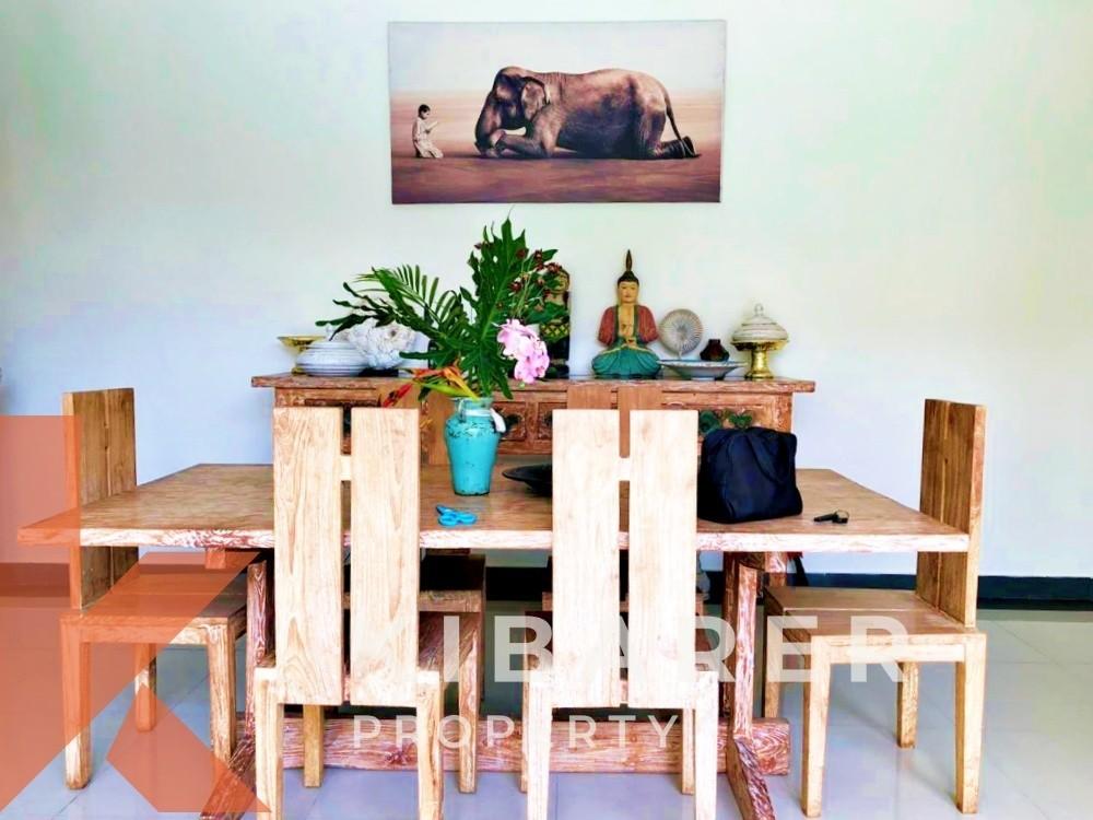 BEAUTIFUL TROPICAL THREE BEDROOM ,CLOSE LIVING VILLA IN BUMBAK
