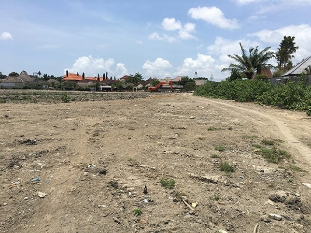 Big Plot in the Central of Seminyak for Leasehold Sale