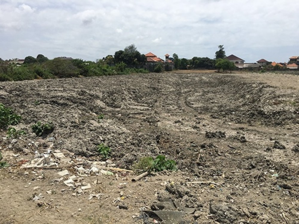 Big Leasehold Plot in the Central of Seminyak for Sale