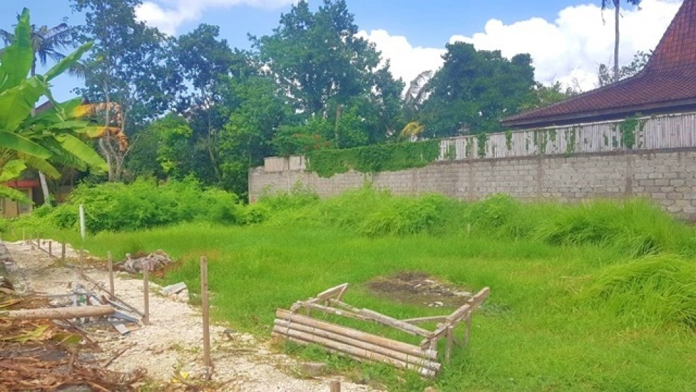 Small Plot Close to the Beach in Pererenan for Leasehold Sale