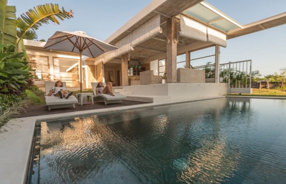 Minimalist 2 Bedroom Villa in Umalas with Rice Field View for Leasehold Sale