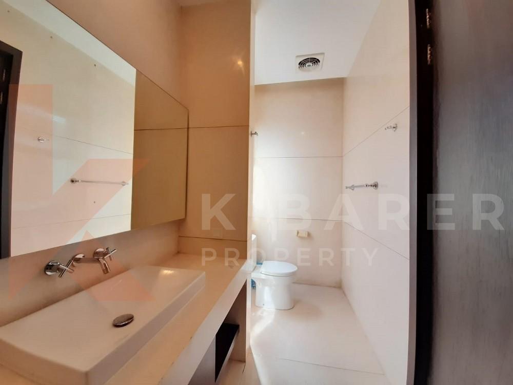 Beautiful Four Bedroom Villa with semi full furnished in kerobokan
