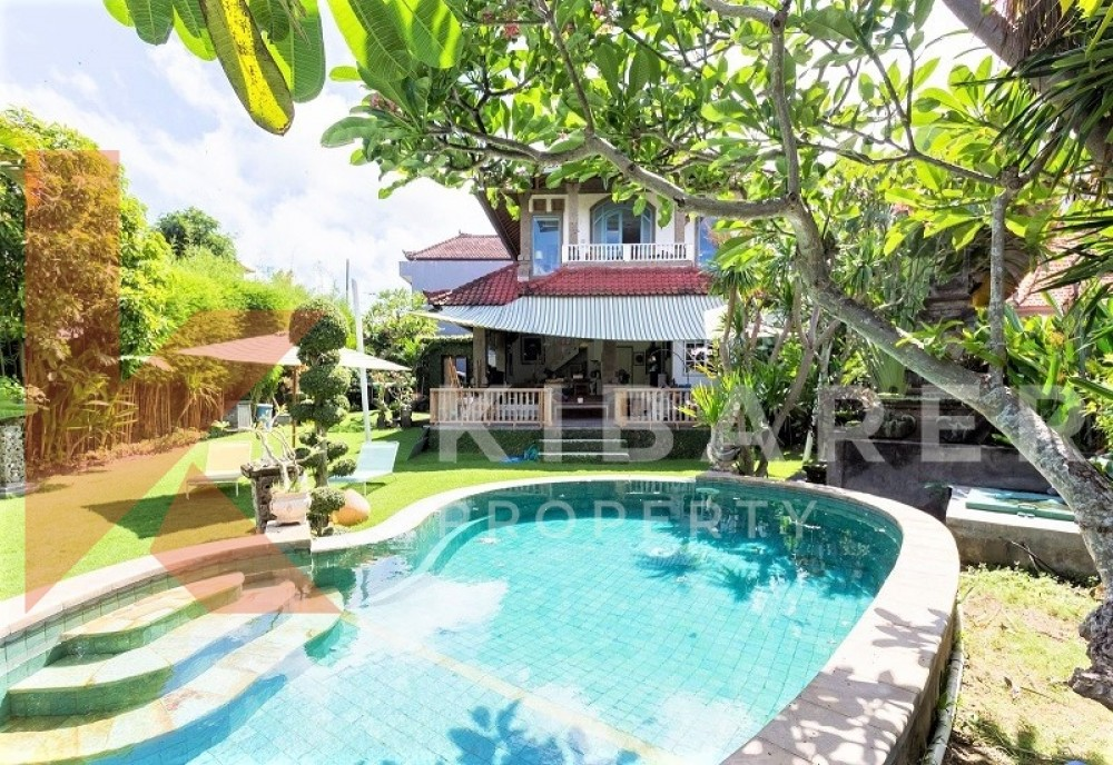 BEAUTIFUL BIG GARDEN THREE BEDROOM OPEN LIVING VILLA IN PADONAN
