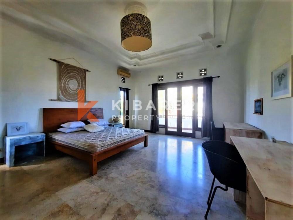 Villa Tiga kamar tidur yang indah dekat dengan pantai di Pererenan