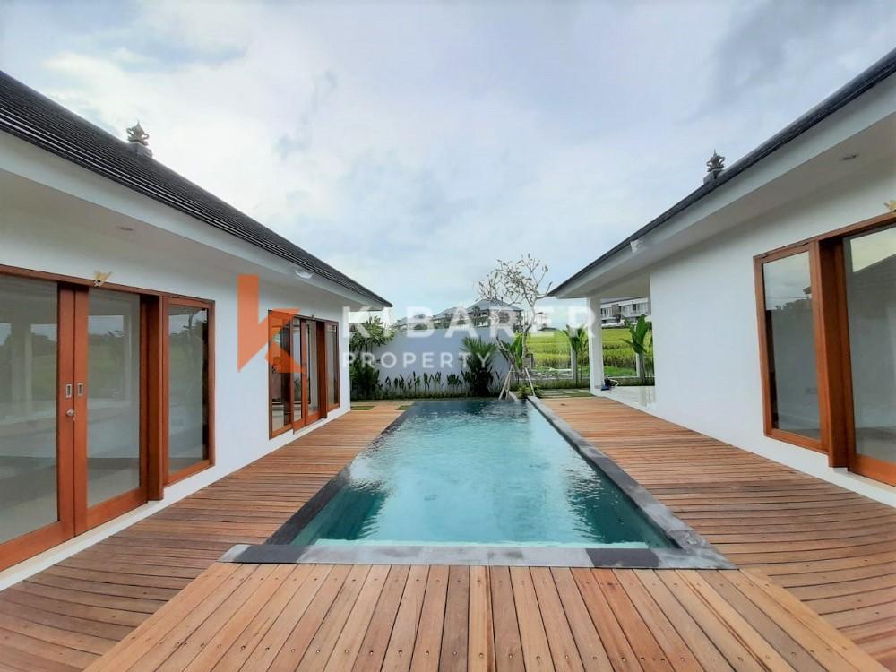 Villa neuve de trois chambres non meublée à Pererenan