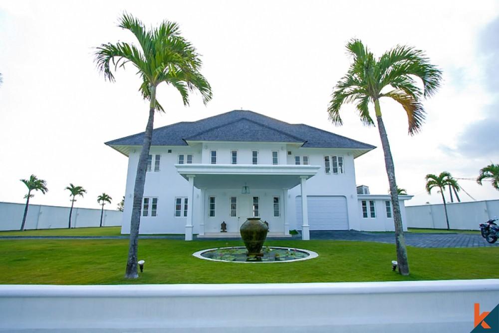 Incroyable spacieuse villa coloniale à vendre à Canggu