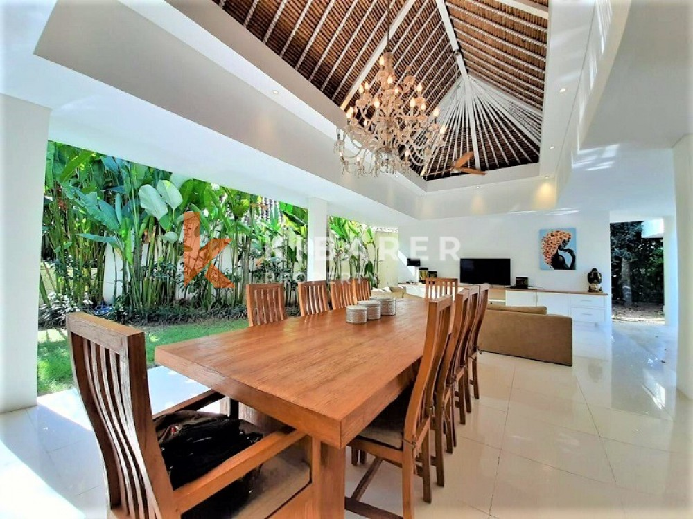LUXURY FOUR BEDROOM OPEN LIVING VILLA IN PERERENAN