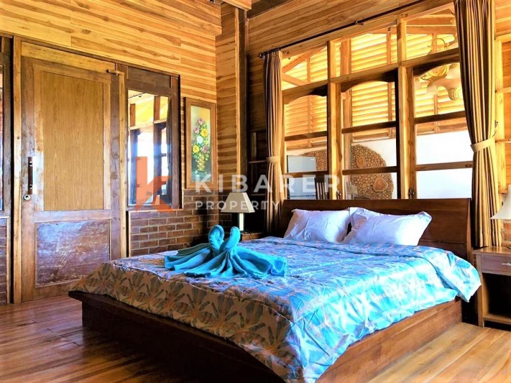 BEAUTIFUL FIVE BEDROOM OPEN LIVING VILLA IN SEMINYAK