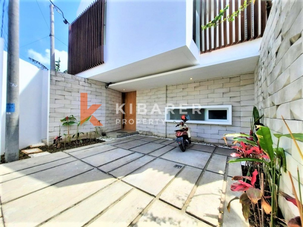 Modern 3 bedroom villa for living in berawa canggu