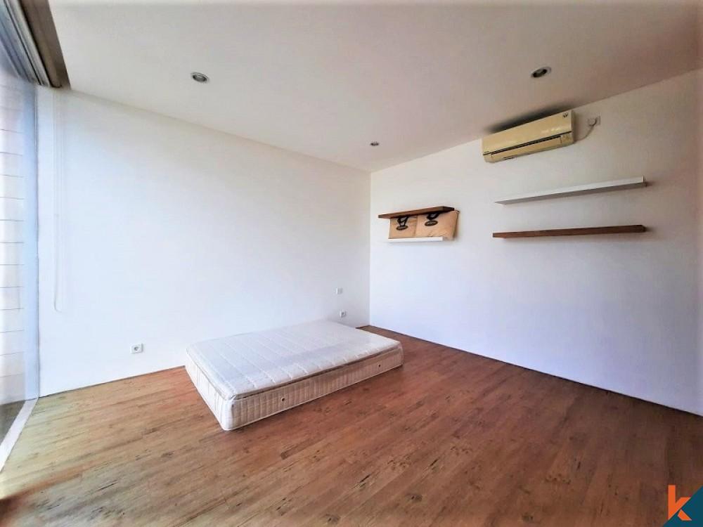 Freehold Villa Modern Minimalis Dijual di Berawa