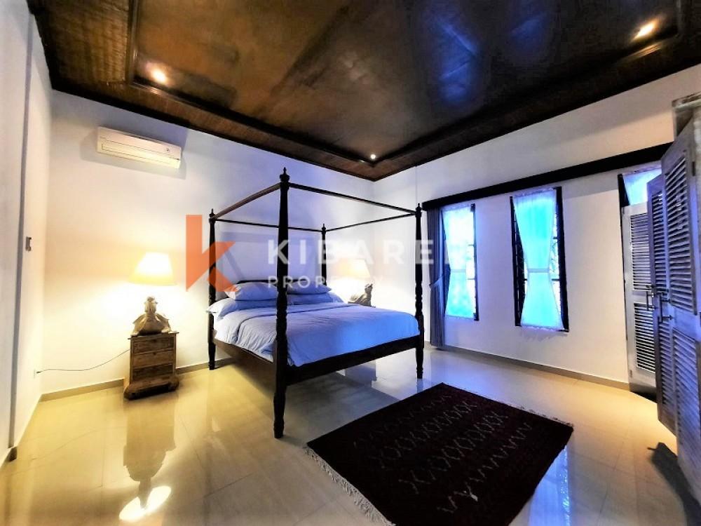 BEAUTIFUL COZY THREE BEDROOM EN-CLOSE LIVING VILLA IN BUMBAK
