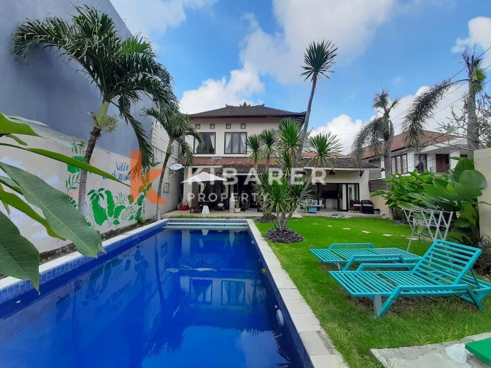 Villa de trois chambres entièrement meublée avec grand jardin à Umalas