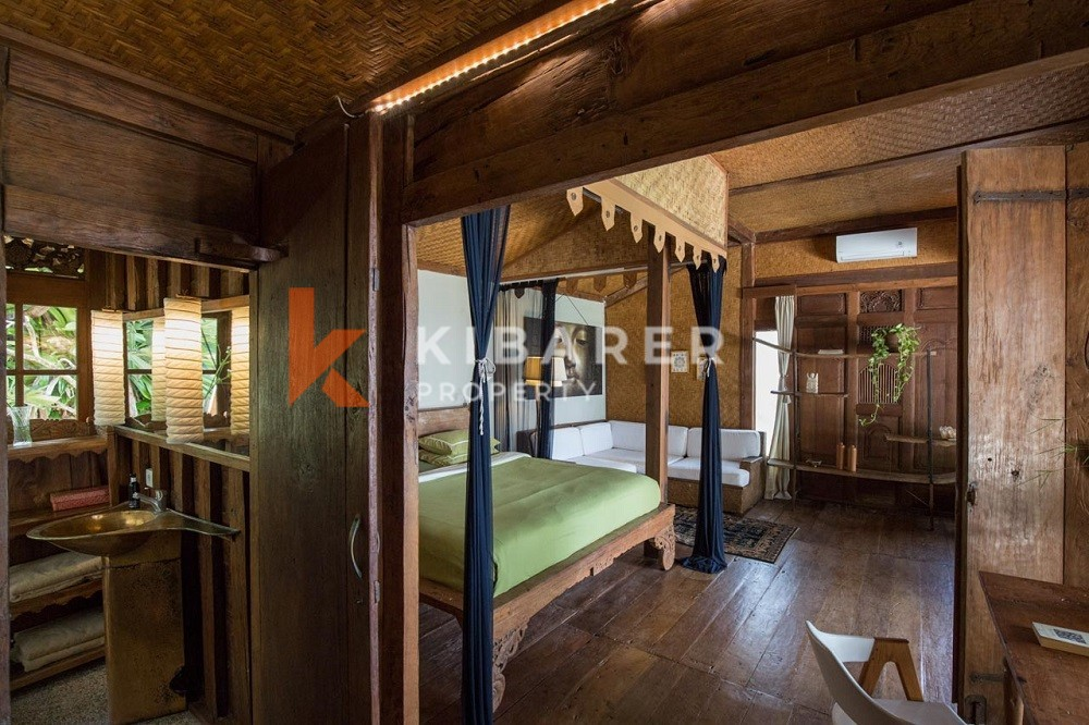 Vila satu Kamar Tidur dengan Pemandangan Laut terletak di Seseh