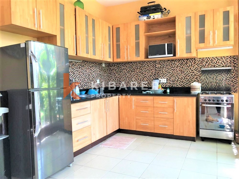 BEAUTIFUL THREE BEDROOM CLOSED LIVING VILLA IN BERAWA