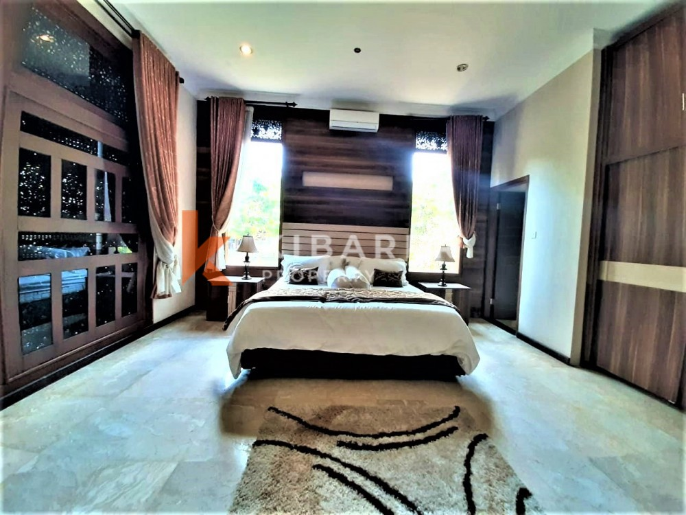 Vila Modern Dua Kamar Tidur Bergaya Joglo Di Munggu Kaba-Kaba