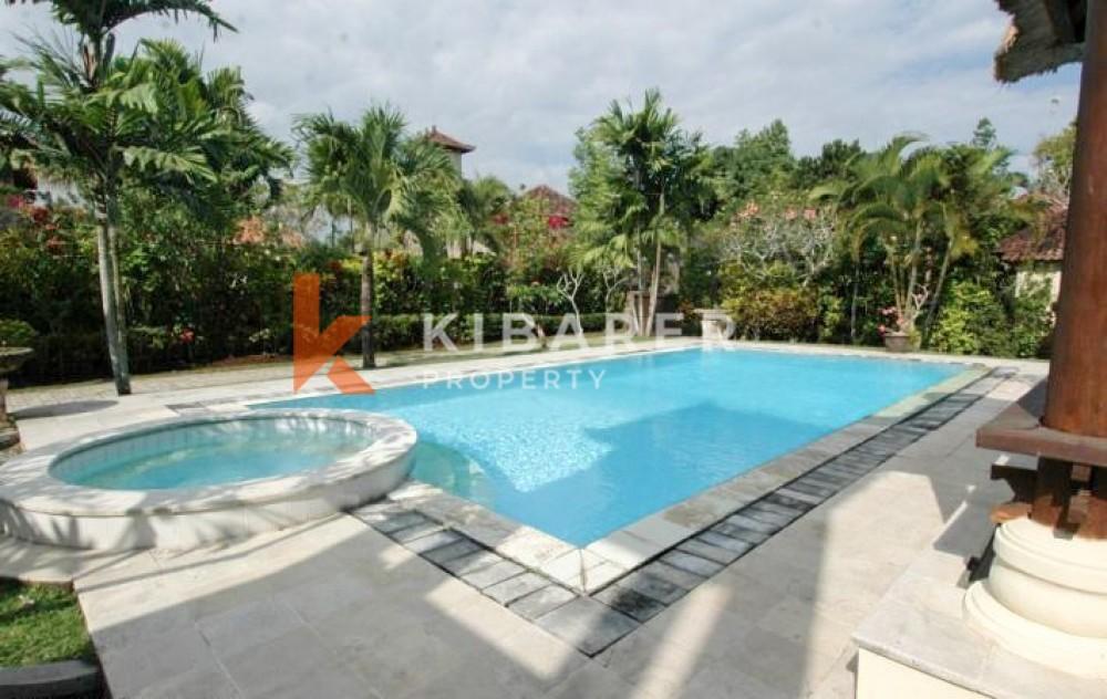 Beautiful Open And Close Living Bedrooms Villa In Canggu