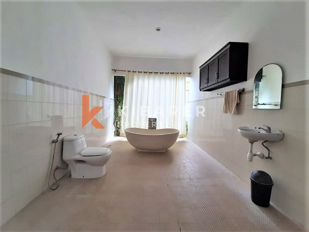 Cozy And Simple Two Bedrooms Villa In Cemagi