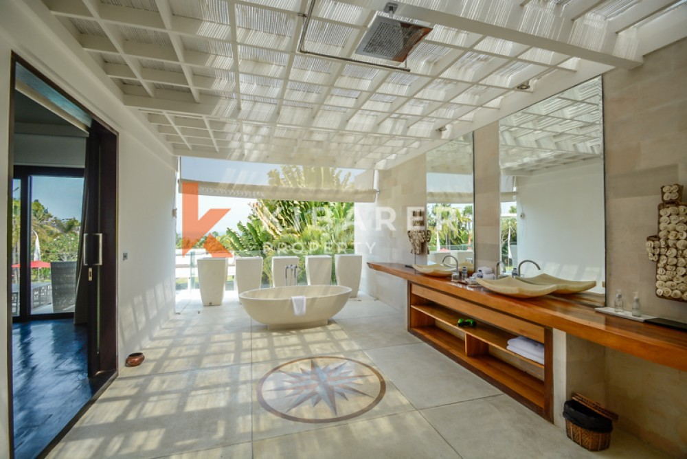 Gorgeous freehold villa with spacious land for rent in Cemagi