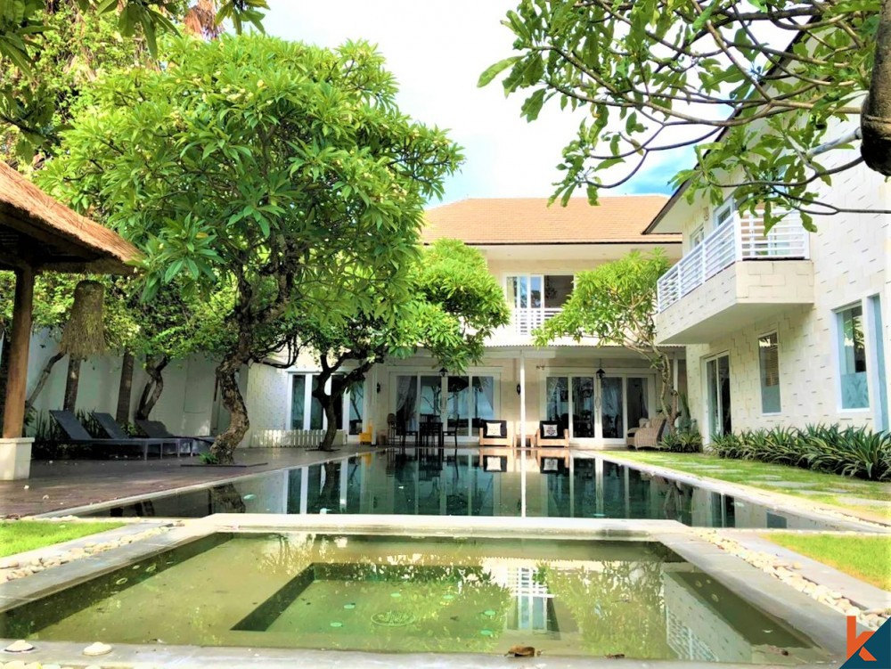 Luxurious 7 Room Villa Steps to the Beach for Sale