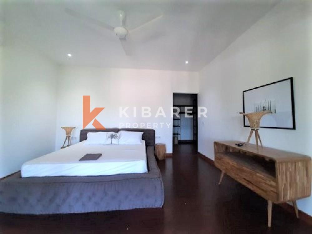 Modern Style Four Bedrooms With Big Garden Villa In Umalas