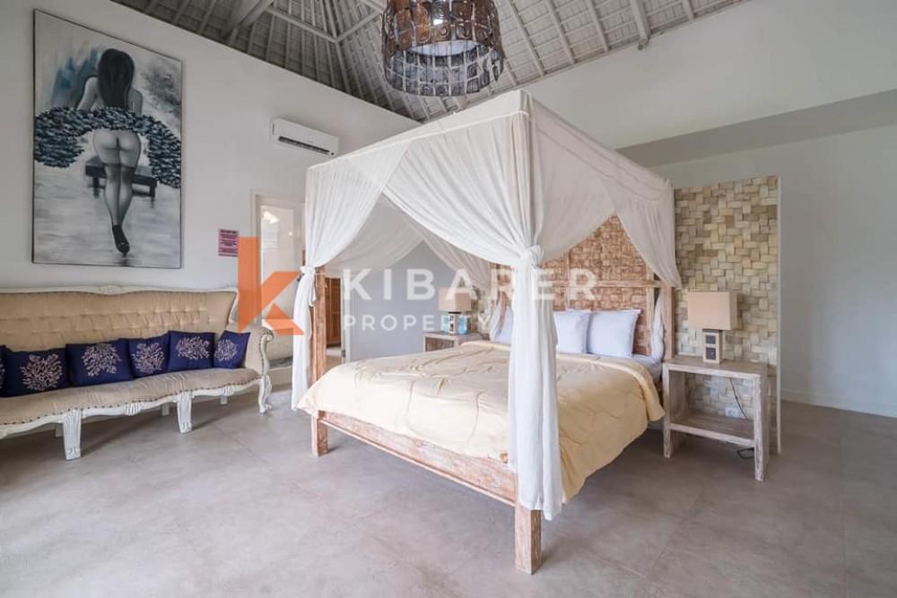 AMAZING FOUR BEDROOM CLOSED LIVING VILLA IN TUMBAK BAYUH PERERENAN