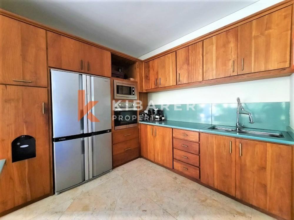 AMAZING DESIGN FIVE BEDROOM OPEN LIVING VILLA IN BERAWA