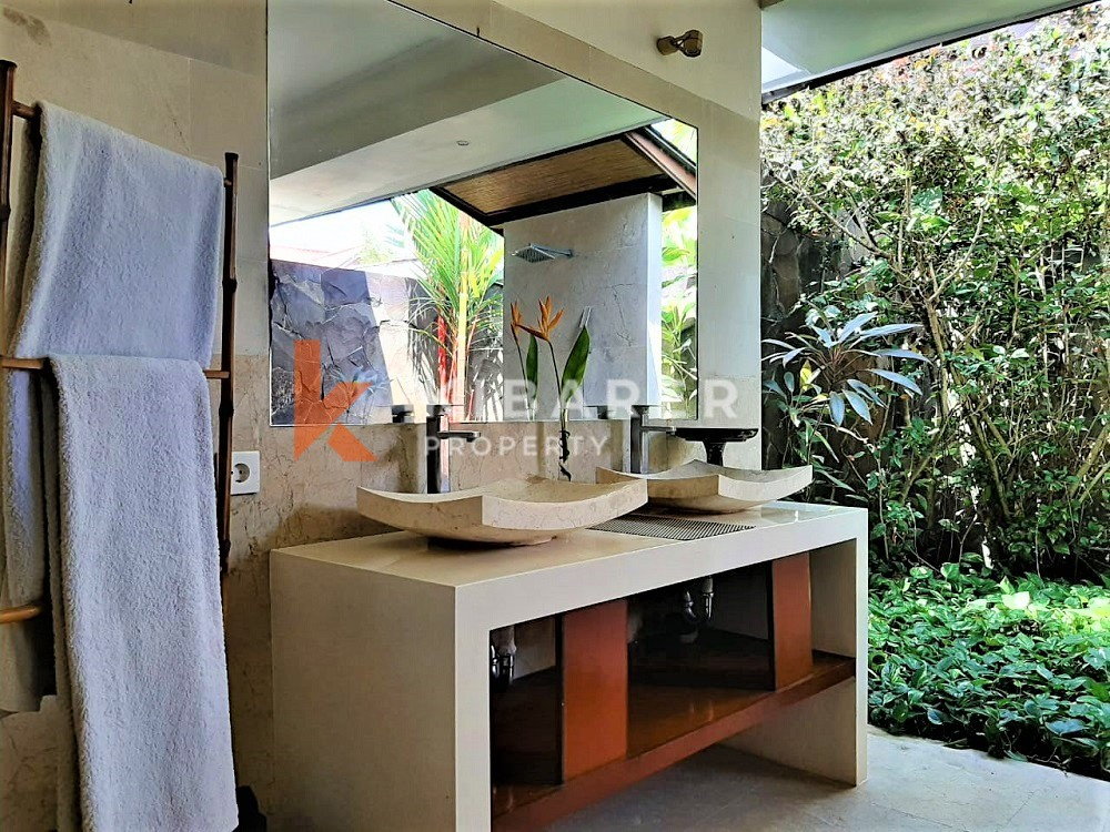 Beautiful Three Bedrooms Villa In Front Of Rice Field In Canggu