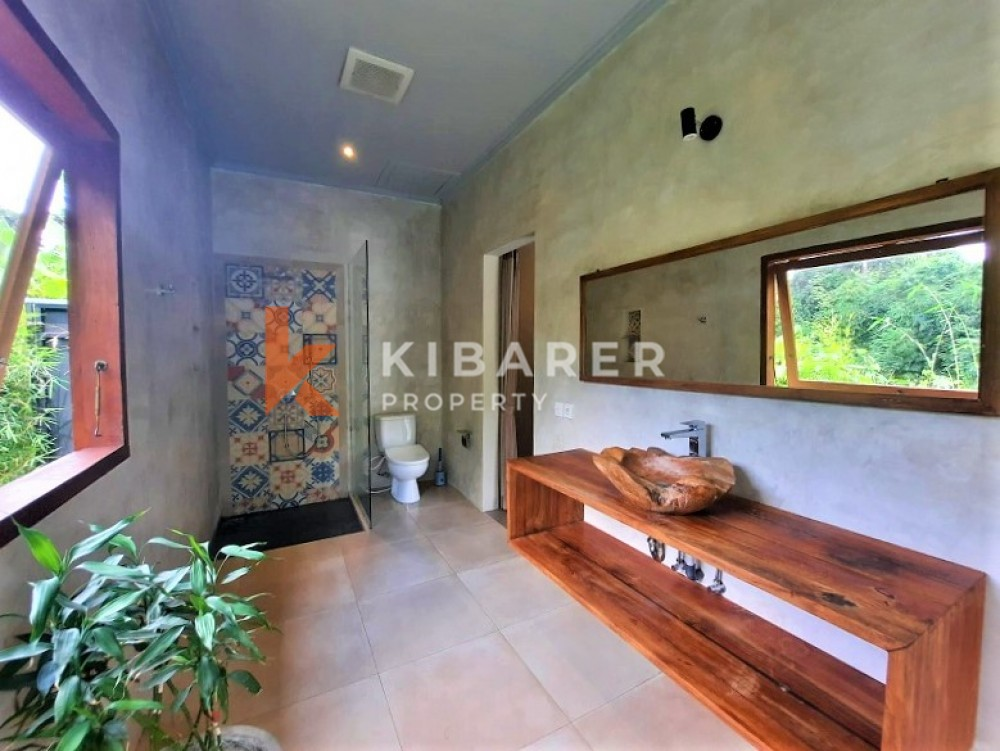 AMAZING THREE BEDROOM EN-CLOSED LIVING VILLA WITH STUNNING VIEW IN KEDIRI