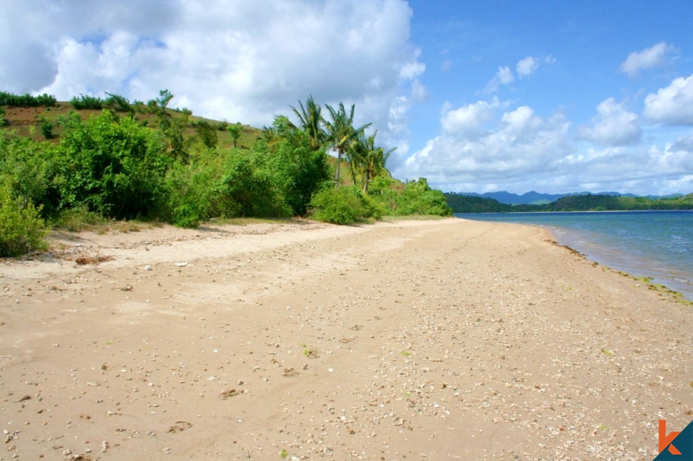 Rare Beachfront Kavling in Lombok for Sale with Good Price